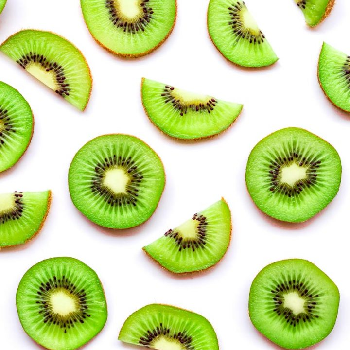 How to Feed Kiwi to Dogs