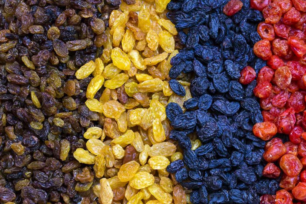 raisins organized by color in rows